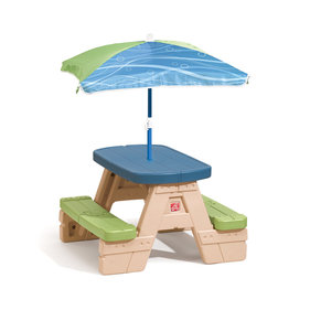 Step2 Sit & Play picnic table and umbrella