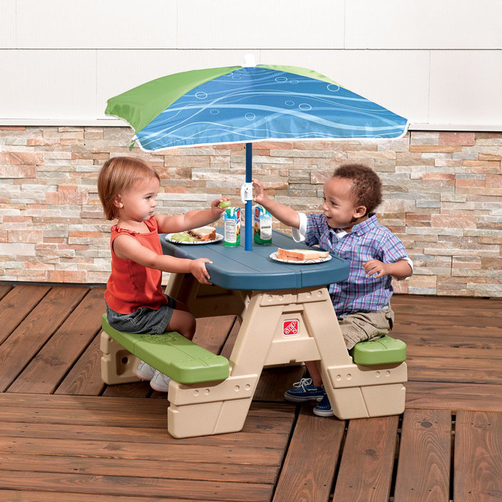 Step2 Sit & Play picknicktafel en parasol