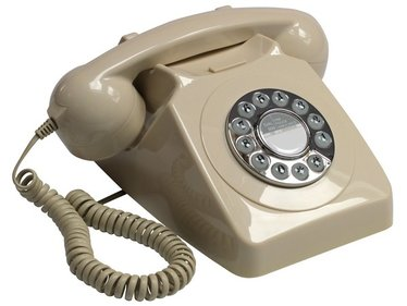 GPO 746 Rotary telephone with push button ivory