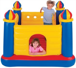 Intex trampoline castle
