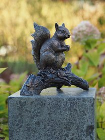 BronZartes Squirrel on Branch garden image