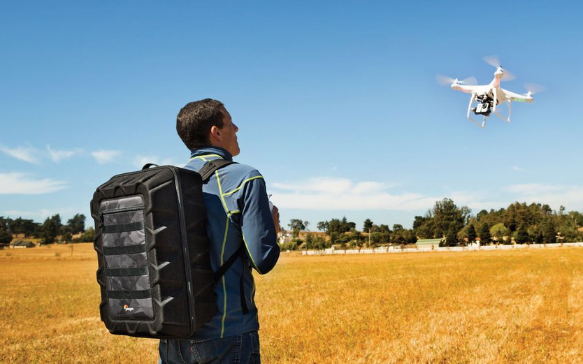 Lowepro DroneGuard CS 400 hardshell backpack