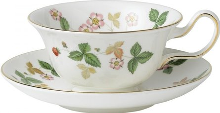 Wedgwood Wild Strawberry theekop en schotel