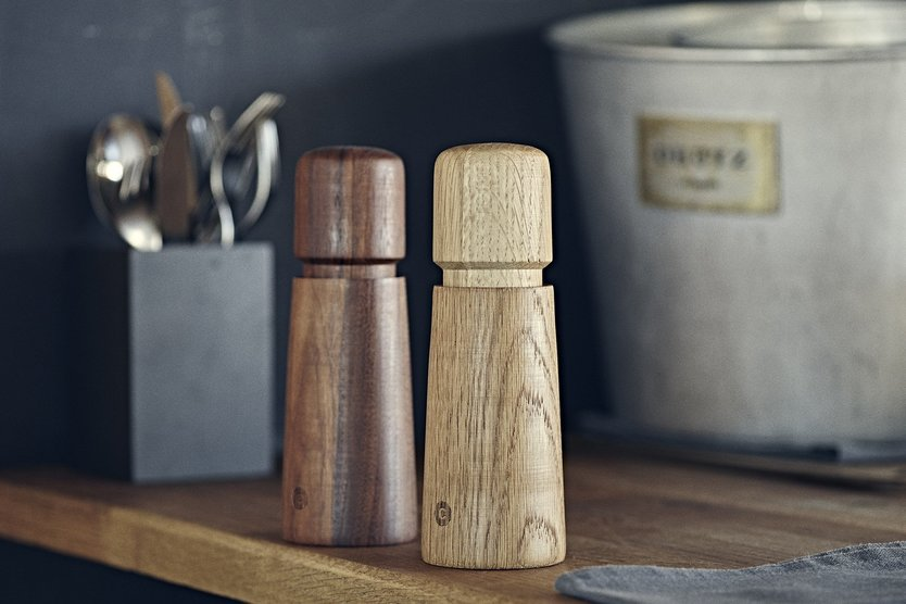 Crushgrind Stockholm oak wood pepper / salt mill
